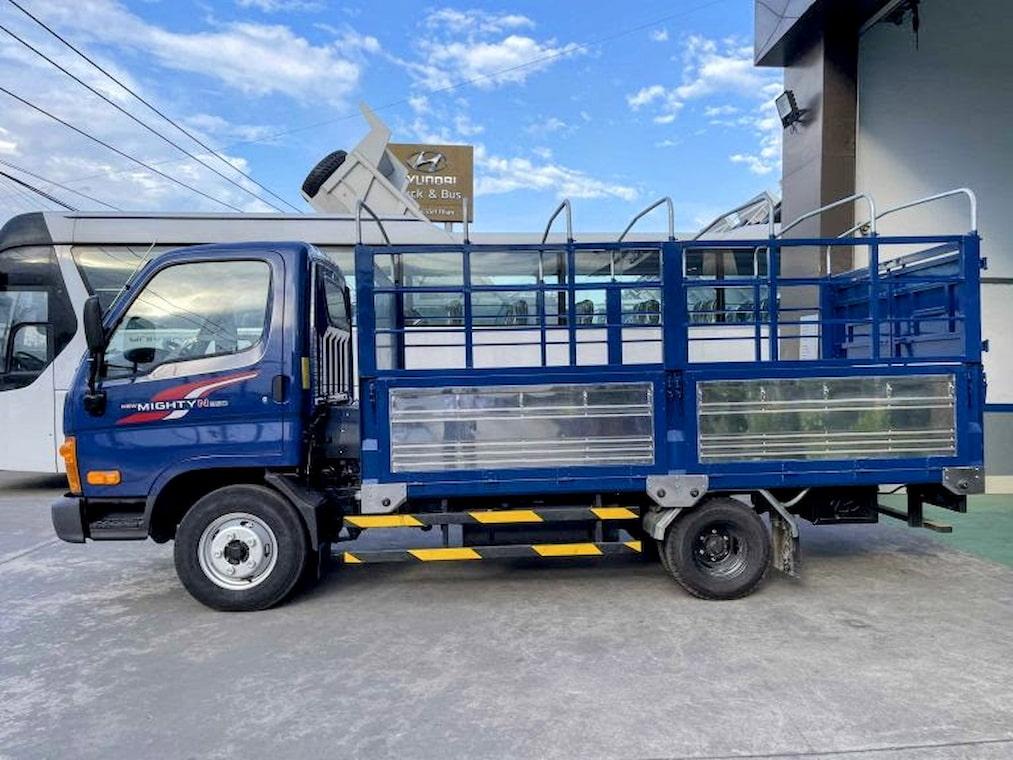Giá Hyundai N250 màu xanh