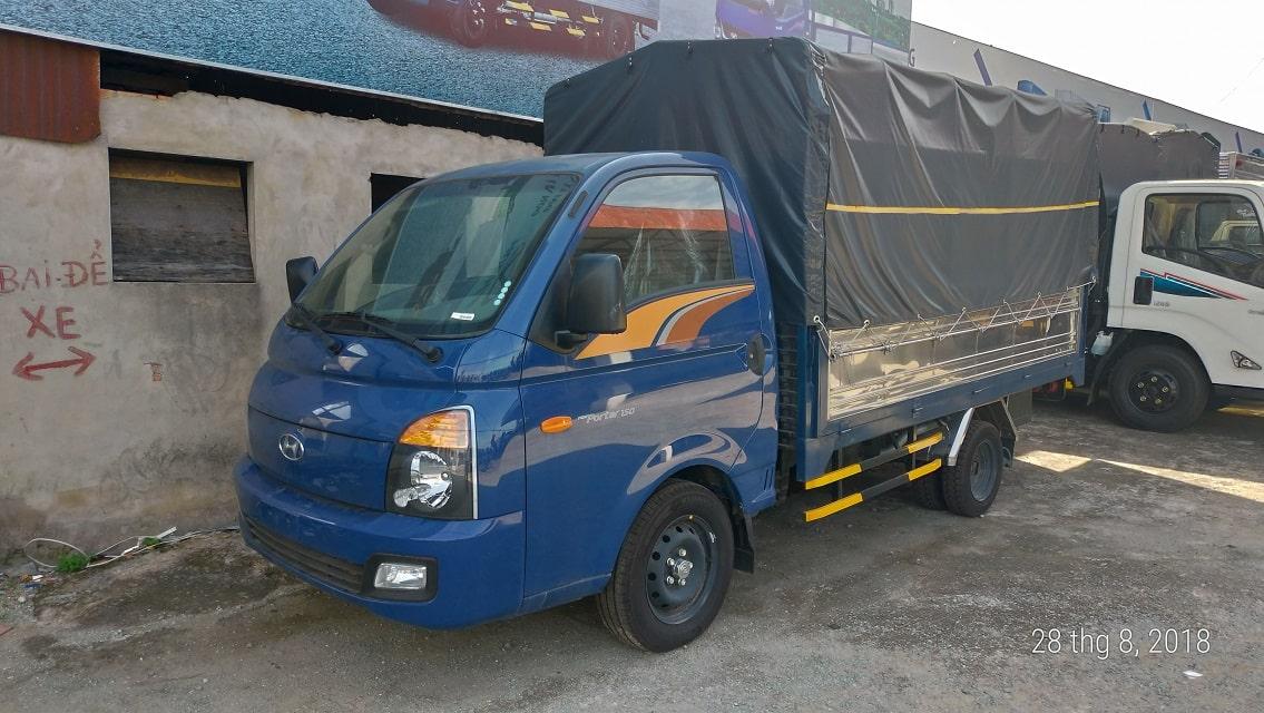 Xe tải 1.5 tấn Hyundai Porter H150 thùng bạt