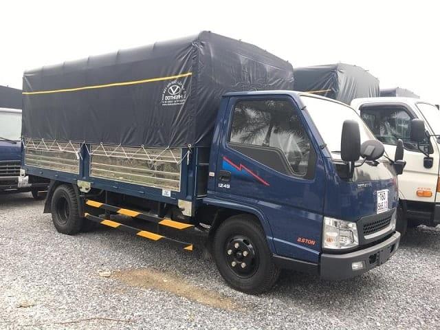 Xe tải IZ49 mui bạt - xanh.