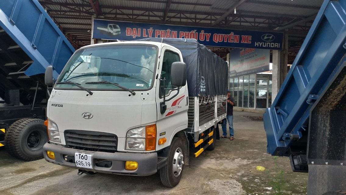 Xe tải Hyundai N250 thùng mui bạt 1,9 tấn