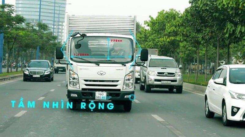 xe tải IZ65 2.5 tấn Đô Thành có tầm nhìn rộng rãi.