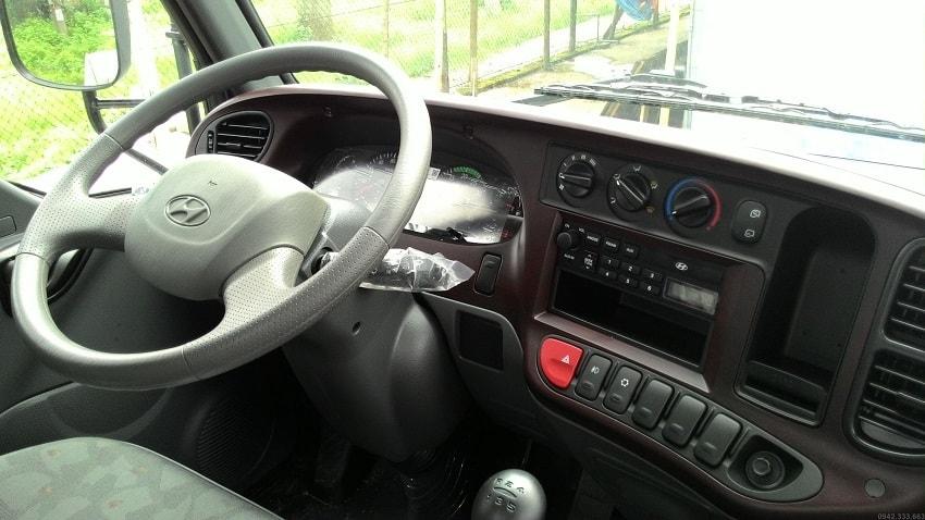 Nội thất xe tải Hyundai HD99