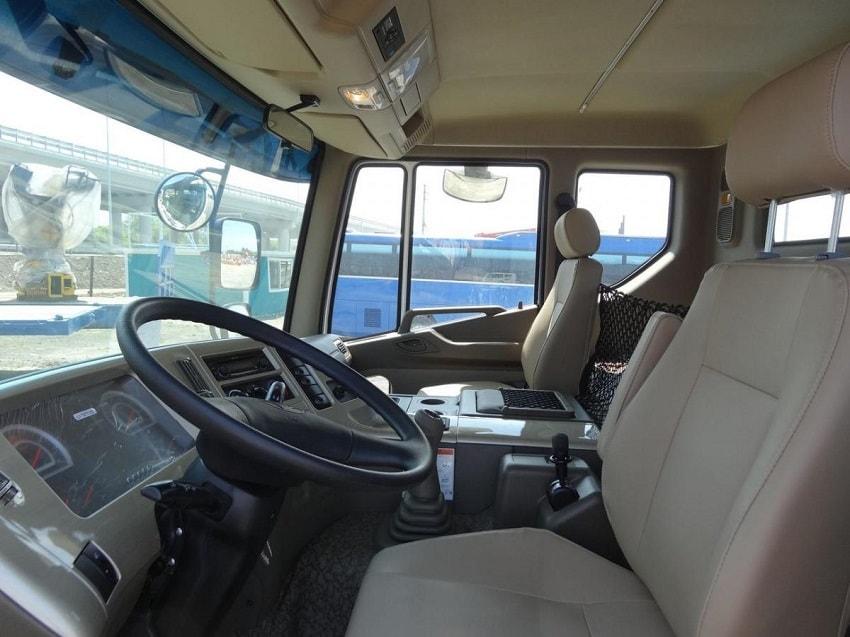 Nội thất xe đầu kéo Daewoo Novus SE