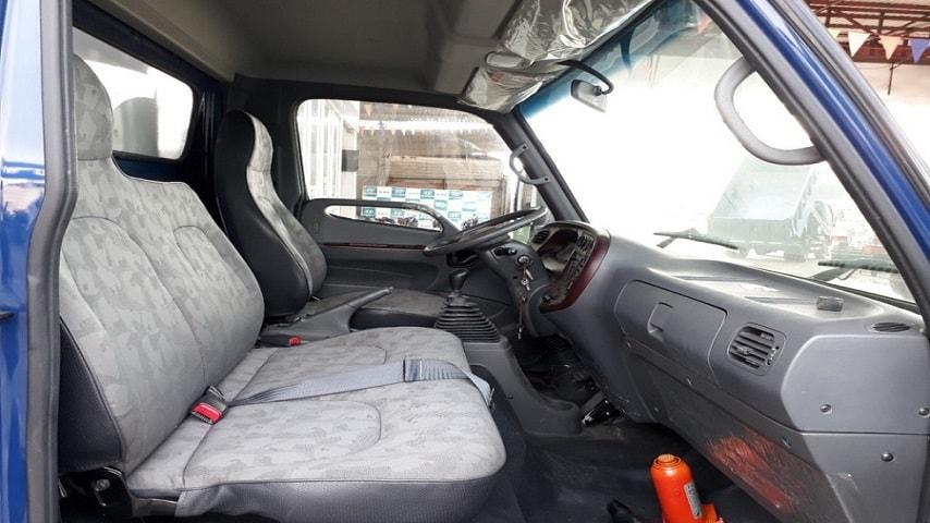Nội thất Hyundai 8 tấn HD120SL