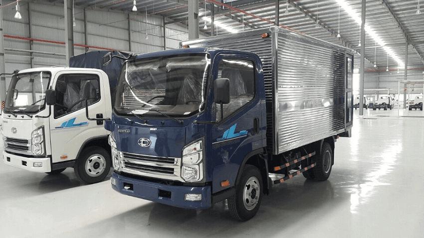 Xe tải tera 240 màu xanh.