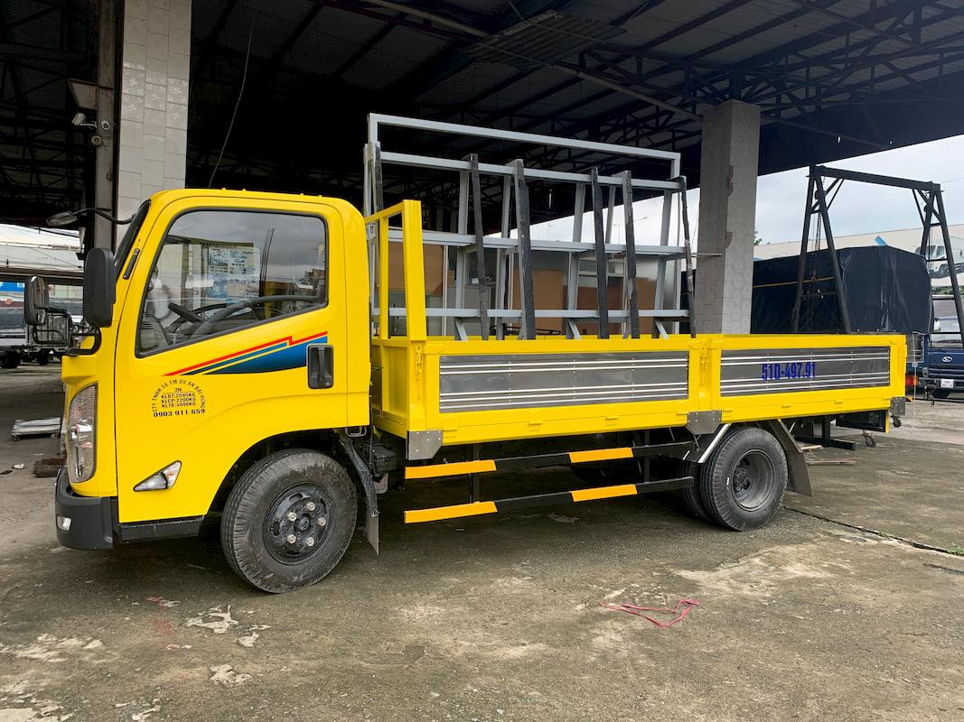 Xe tải Đô Thành IZ65 thùng lững