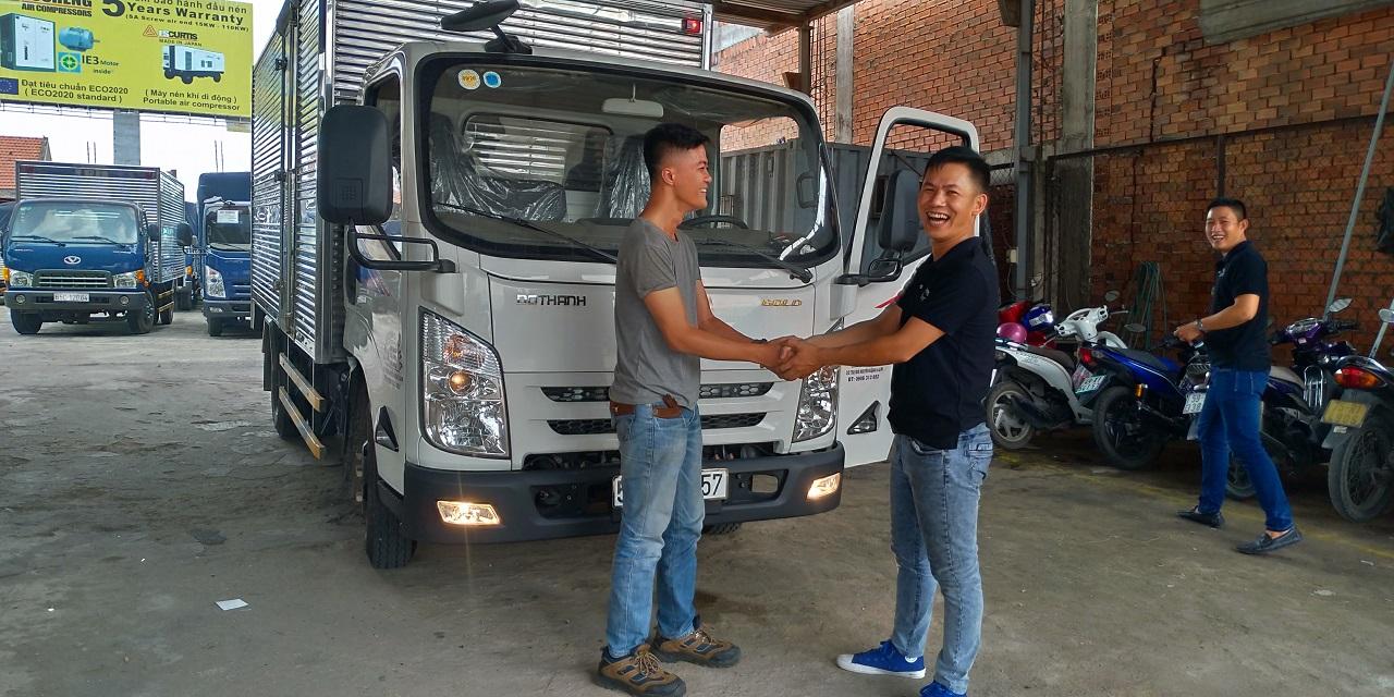 Xe tải IZ65 thùng kín - Niềm vui khách hàng