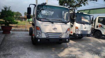 Xe tải tera 250 màu trắng