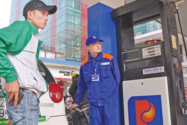 Petrolimex cũng đang áp dụng bán xăng dầu cho động cơ tiêu chuẩn Euro 4