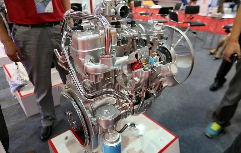 Hình ảnh động cơ ISUZU JE493ZLQ4  xe IZ49 Đô Thành