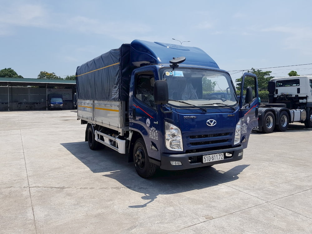 Mui lướt gió xe tải Đô Thành IZ65 màu xanh đẹp
