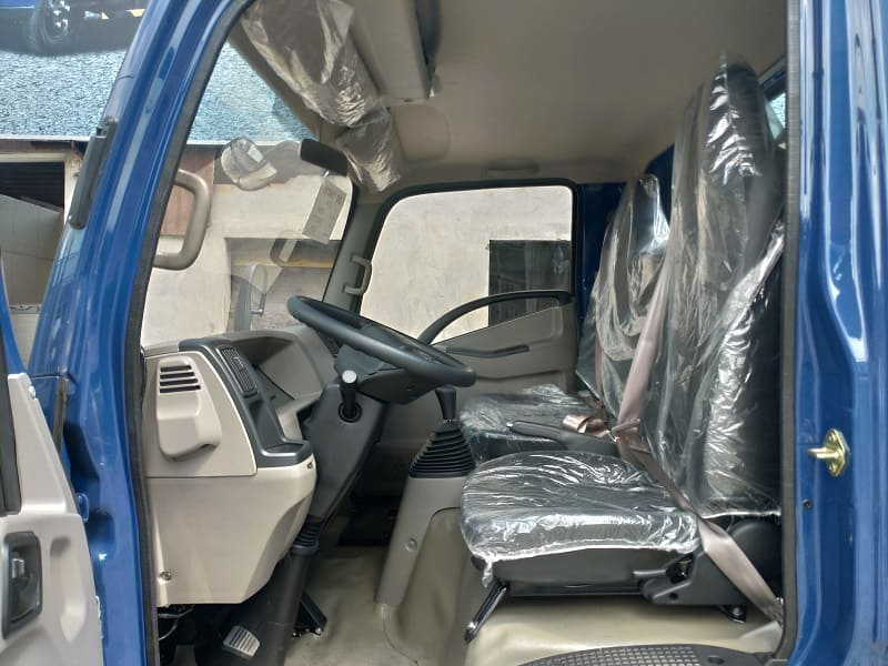 Không gian nội thất xe tải IZ65