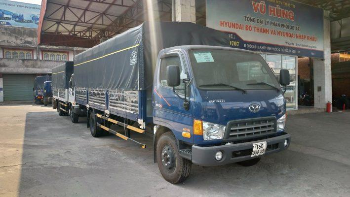Hyundai HD120SL màu xanh thùng bạt