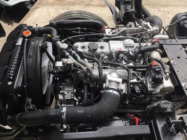 Động cơ ISUZU trong tầm giá xe tải IZ65 là một điểm sáng.