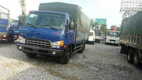 Xe tải Hyundai 75S màu xanh mui bạt