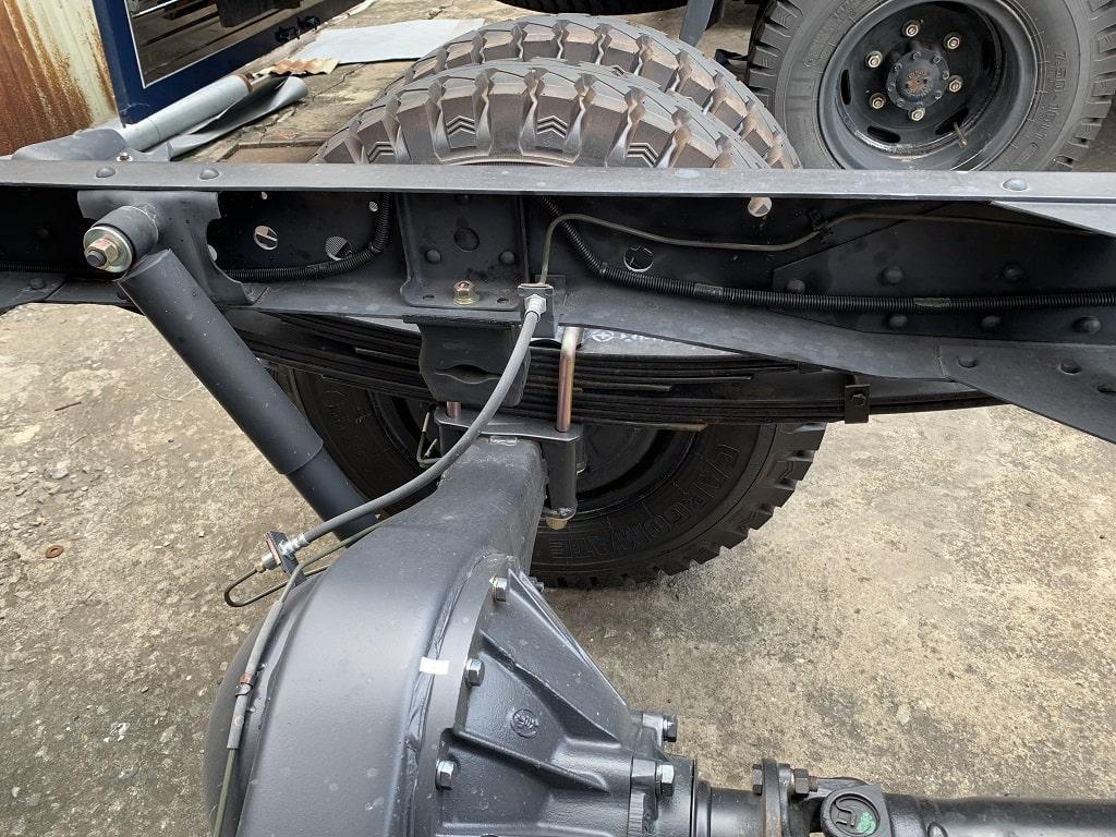 Hệ thống nhíp sau của xe tải IZ49 2019 Đô Thành