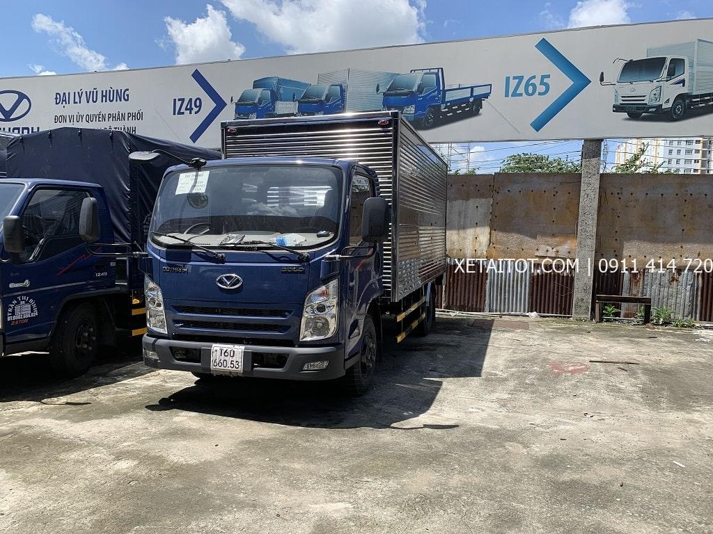 Xe tải IZ65 Đô Thành thùng kín