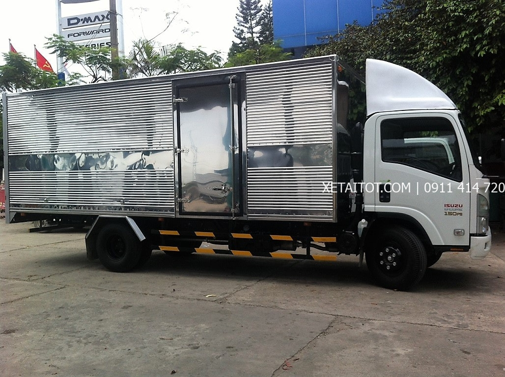 Xe tải isuzu-NQR75M thùng dài