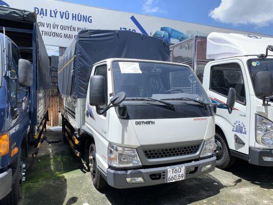 Xe tải IZ49 2019 màu trắng thùng mui bạt
