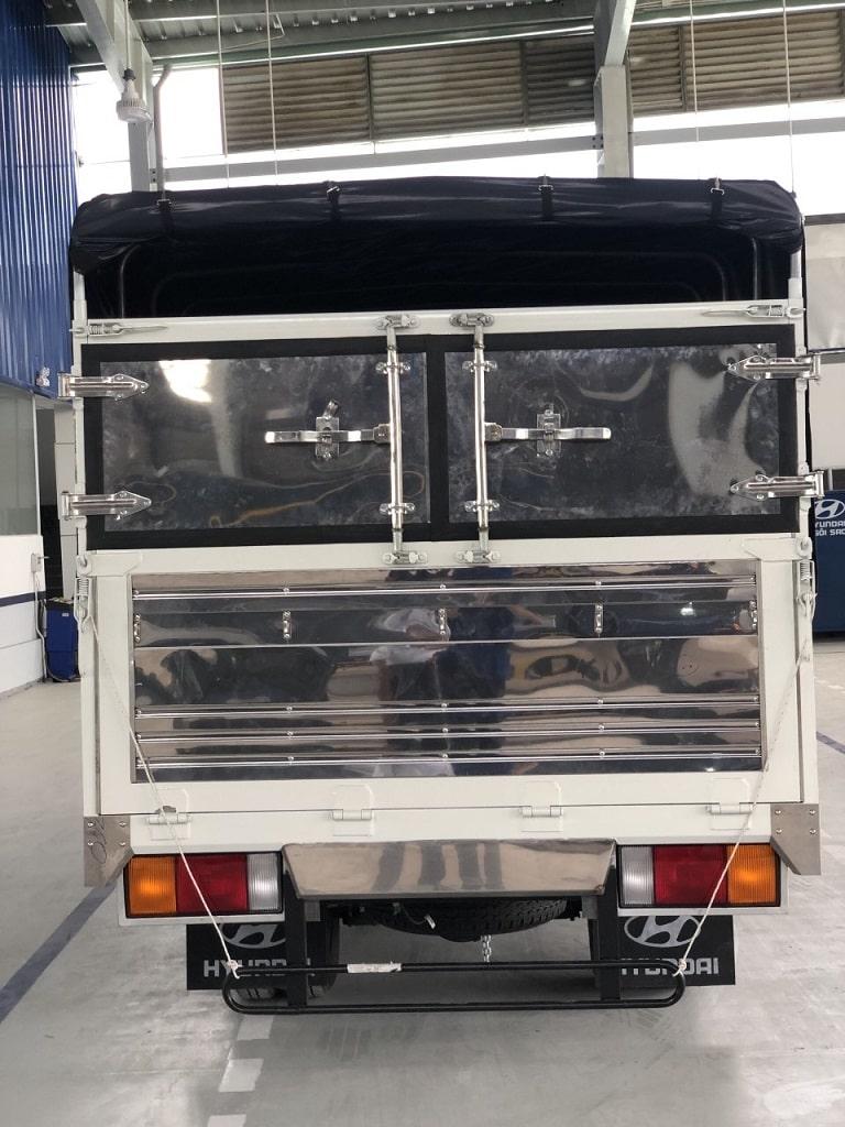 Hyundai N250SL thùng dài từ phía sau