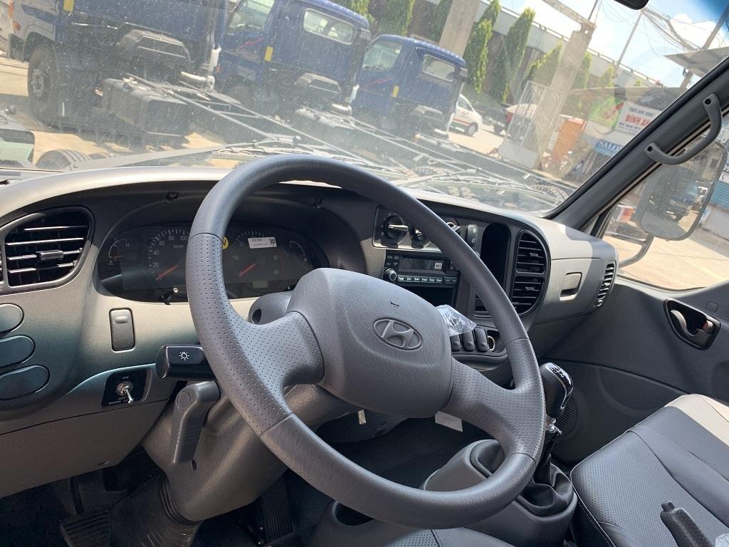 Tay lái và tầm nhìn của xe