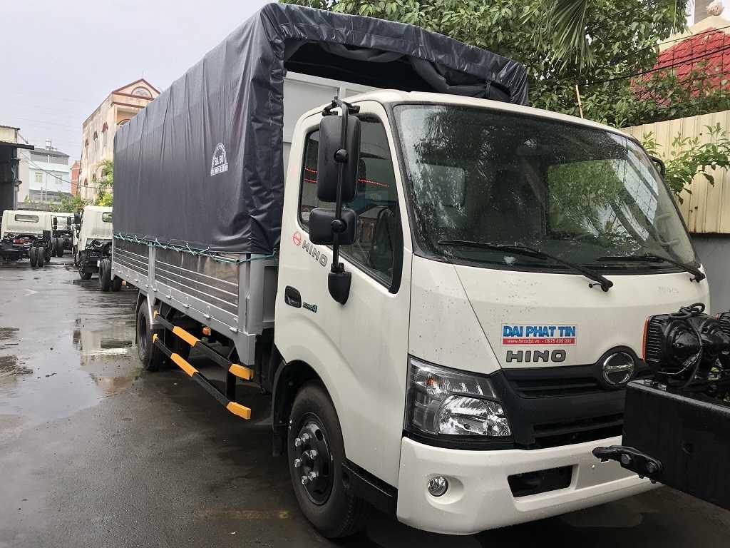 Xe tải Hino 300 Series XZU650L 1,9 tấn