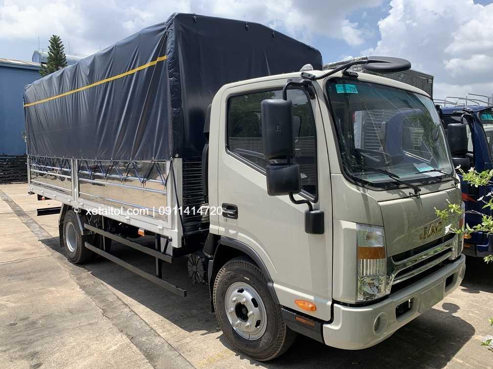 JAC N650 thùng mui bạt 5 tấn hoặc 6.5 tấn