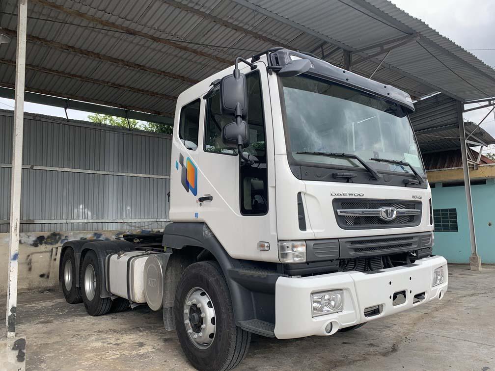 Ngoại hình xe đầu kéo của Daewoo nhập khẩu