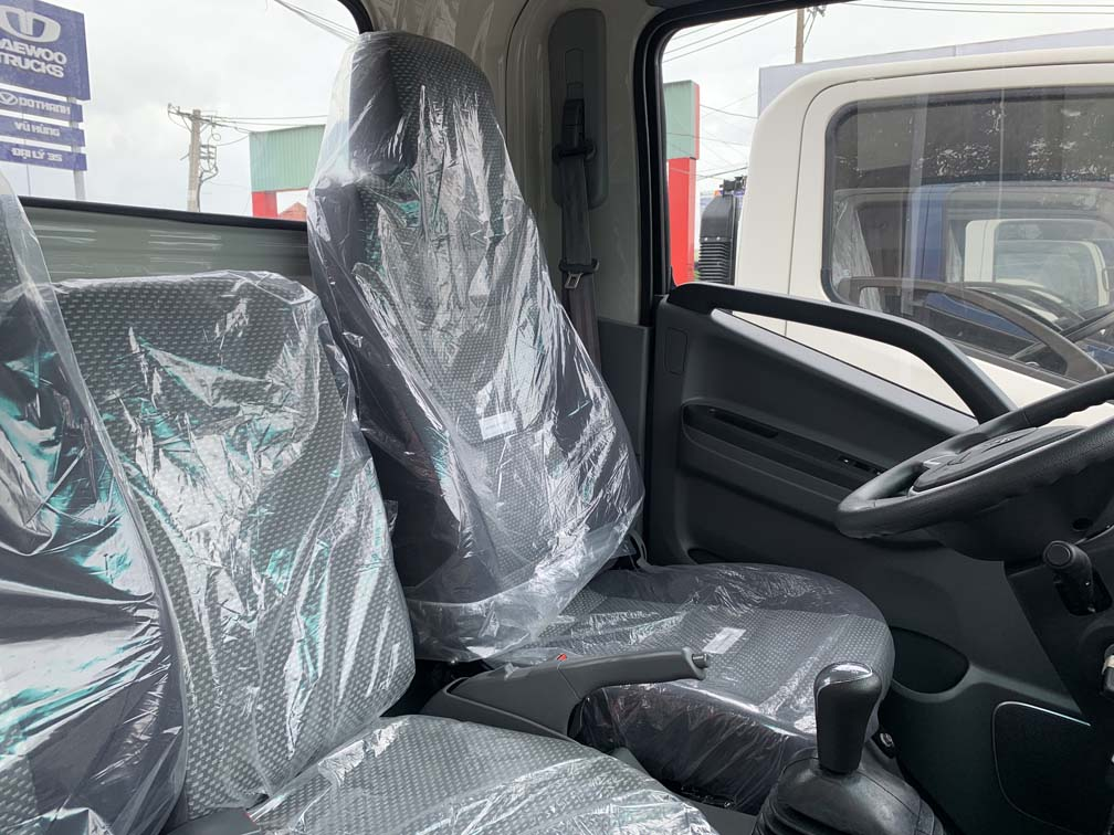 Không gian nội thất xe JAC 1.9 tấn N200