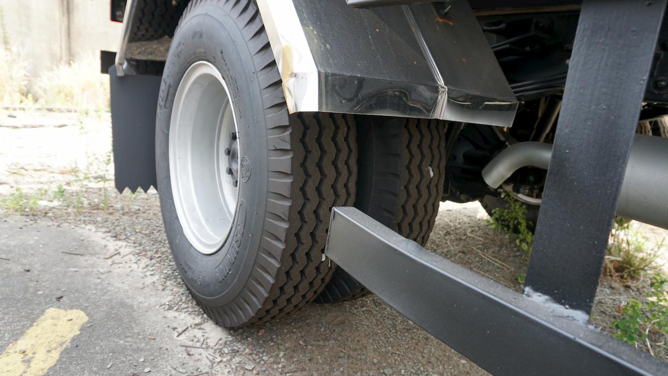 Vỏ xe trước sau cùng kích cỡ lốp 7.5 của xe tải 5 tấn JAC L500