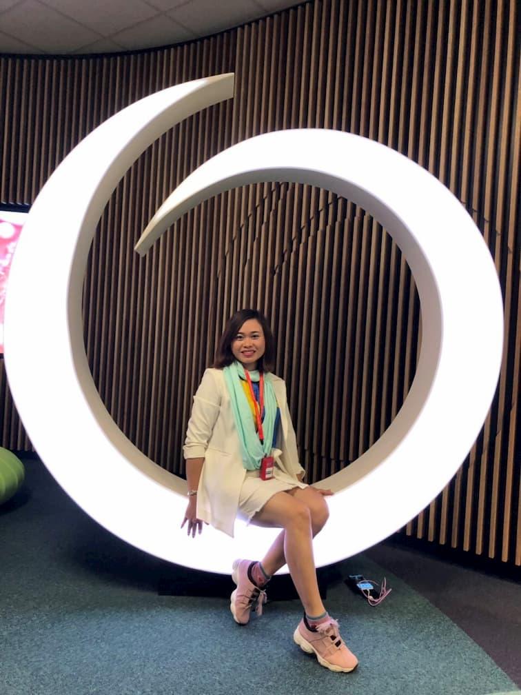 Bà Song Hương là quản lý bộ phận nội dung