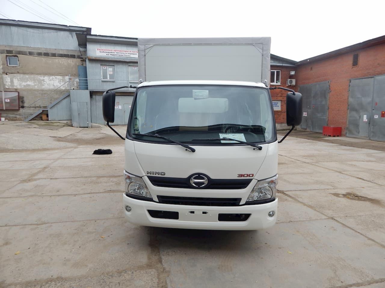 Thiết kế ngoại thất mặt trước xe tải Hino 3.5 tấn
