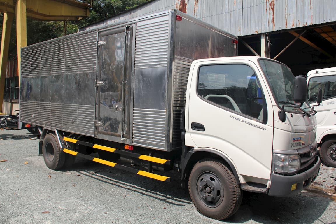 Xe tải Hino 3.5 tấn XZU720L