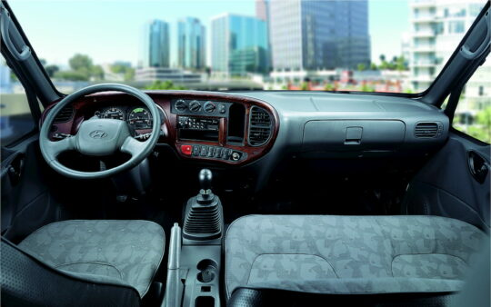 Nội thất xe tải Hyundai 110SL nổi bậc