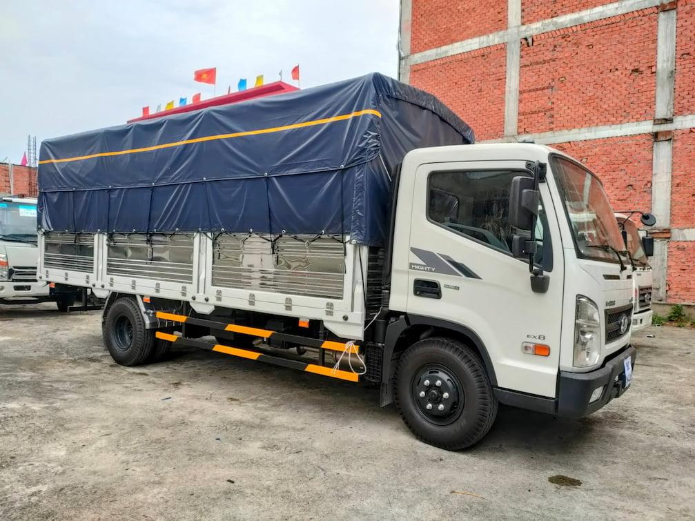 Giá xe Hyundai EX8 Gt bản đủ thùng bạt