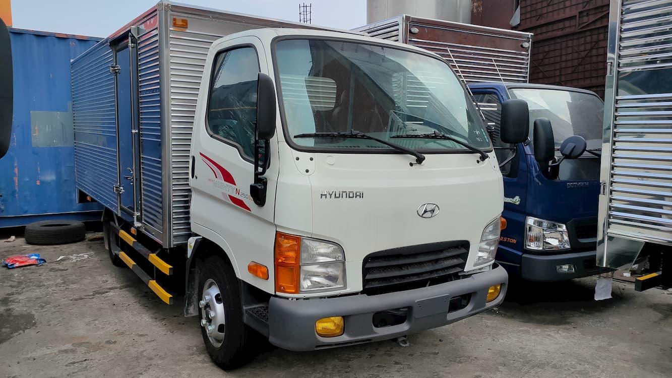 Xe N250SL thùng kín