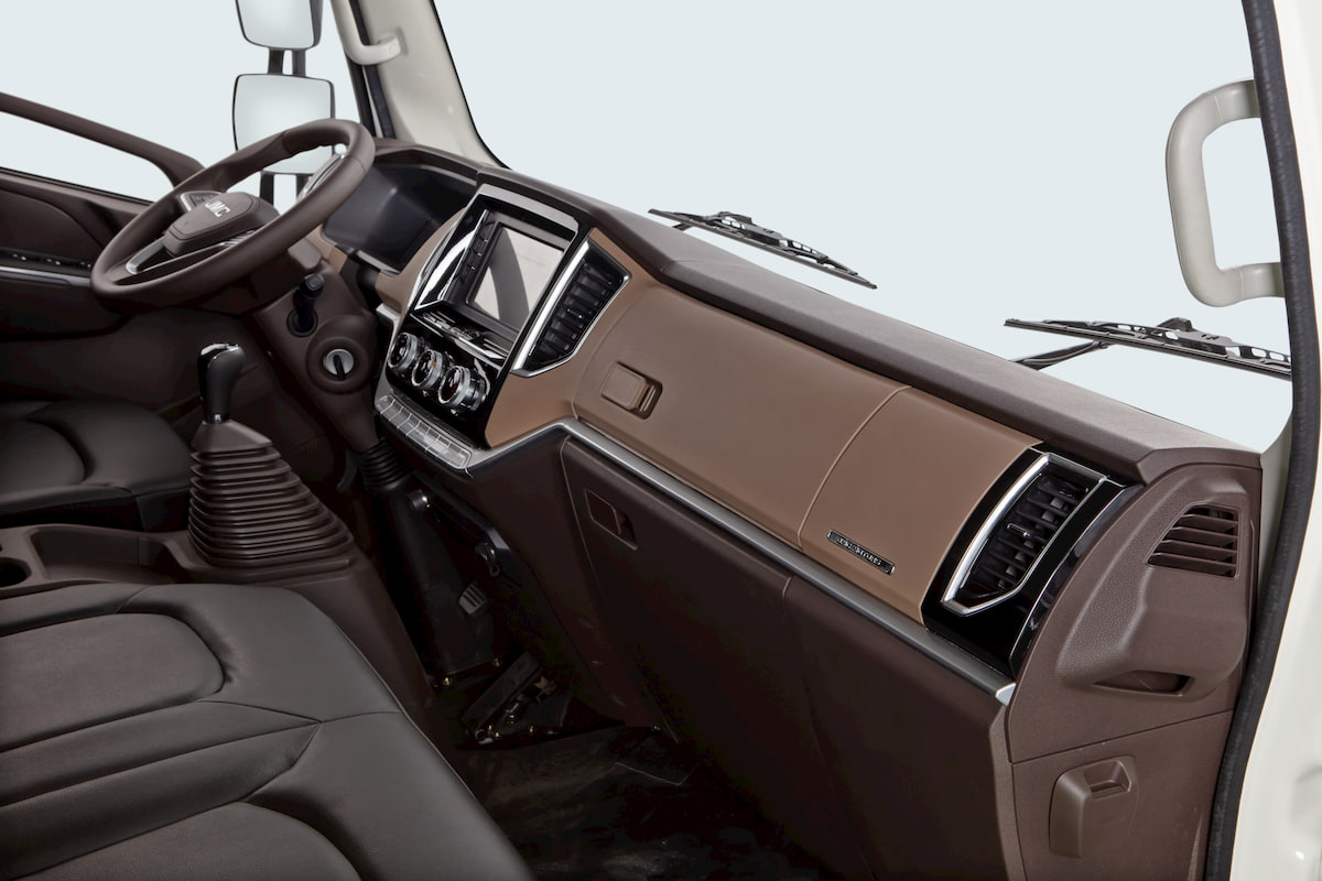 Ca-bin xe tải Đô Thành IZ650-SE trang bị nội thất tốt