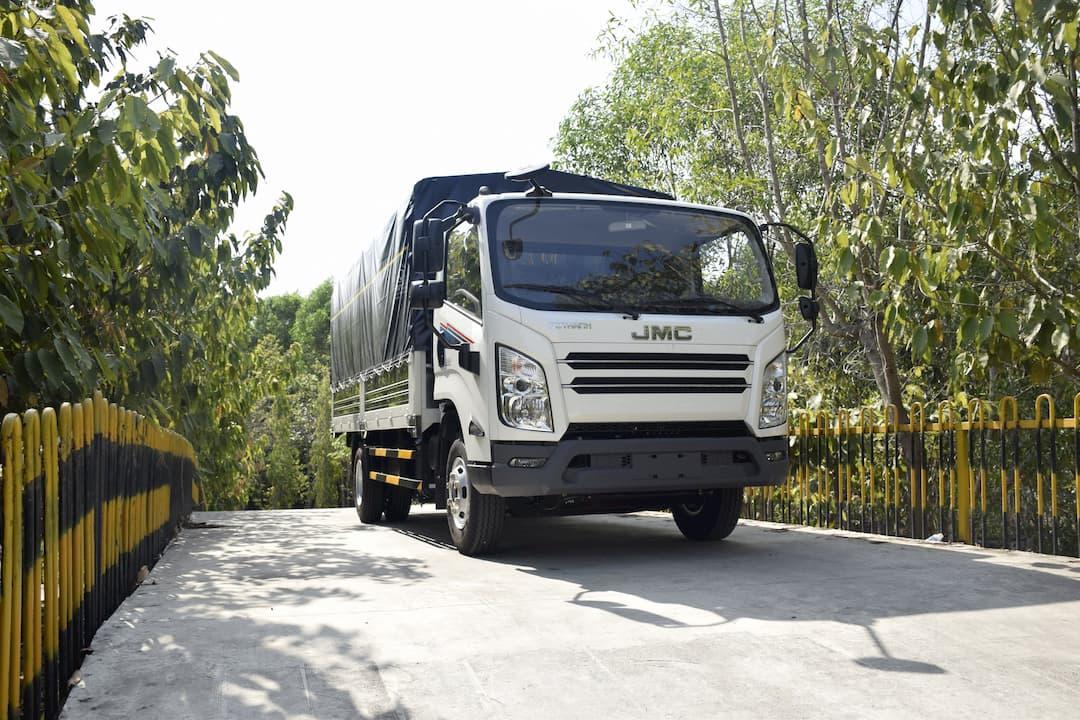 Xe tải ĐôThànhIZ650 6.5 tấn mới