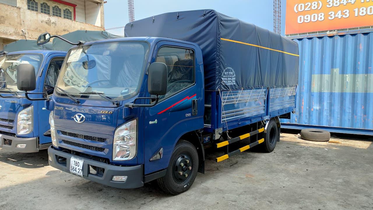 Xe tải Đô Thành IZ65 màu xanh thùng bạt