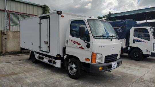 Hyundai N250SL thùng bảo ôn vách composite