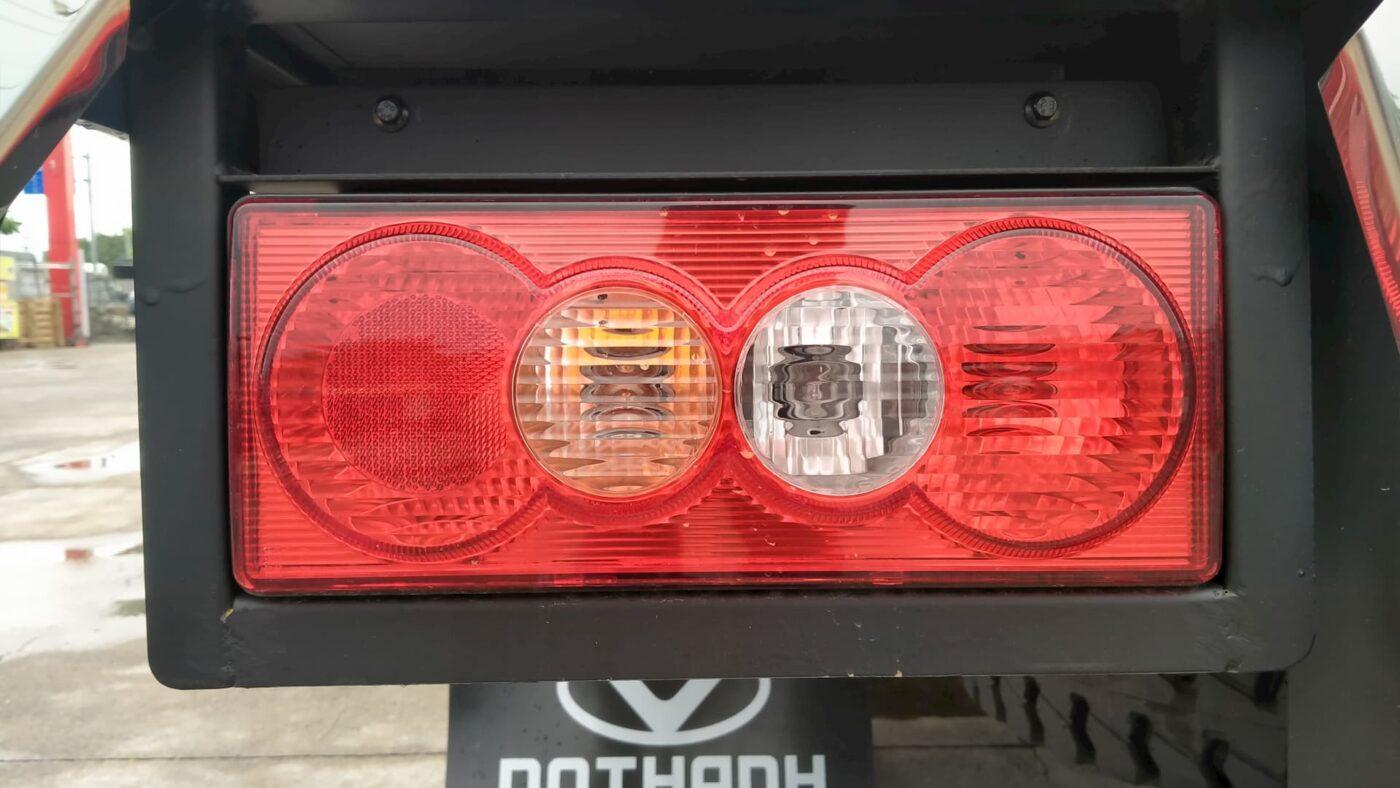Đèn sau xe tải Đô Thành IZ200 1.9 tấn