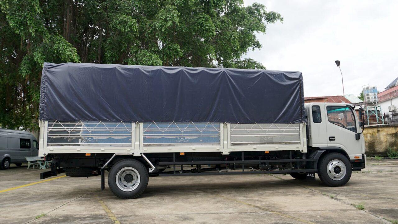 Xe tải JAC N900 thùng bạt
