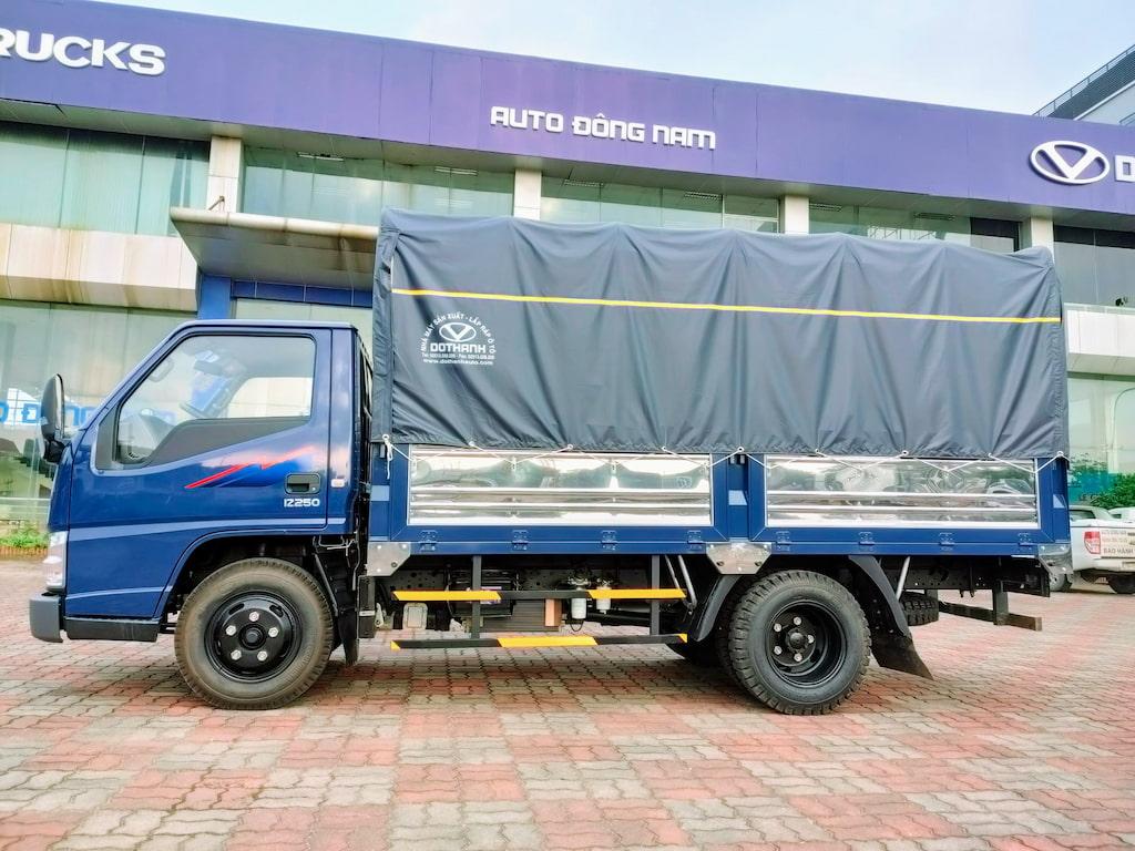 Xe Đô Thành IZ250 2.5 tấn thùng bạt