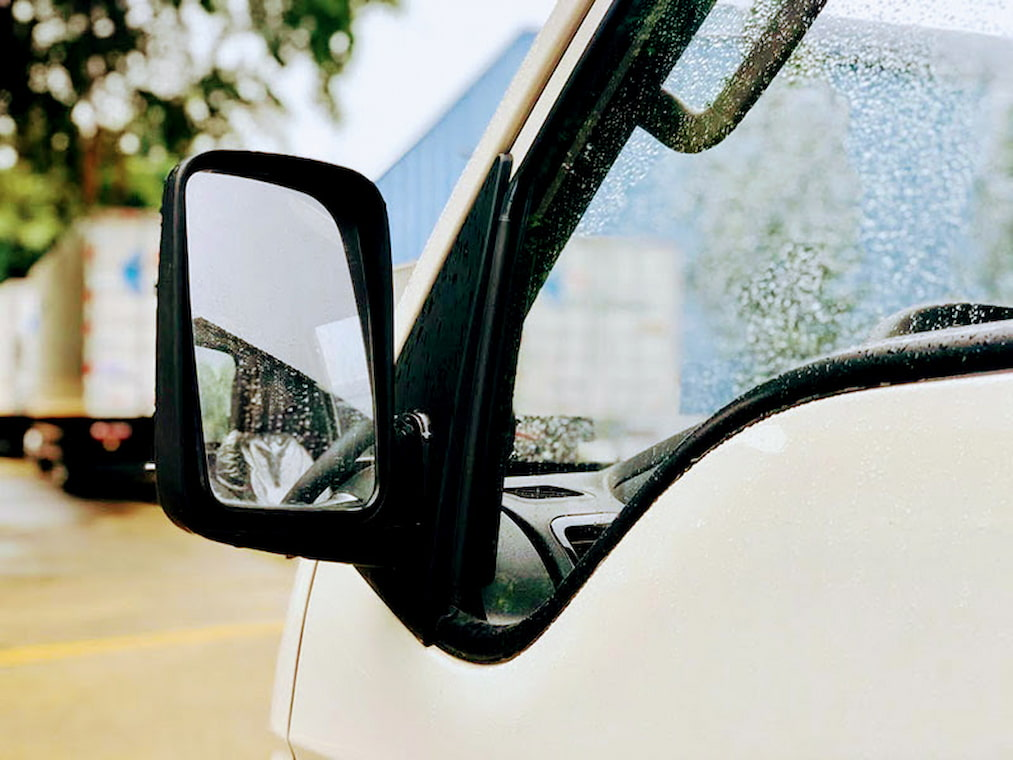 Gương chiếu hậu được đặt và thiết kế tinh tế