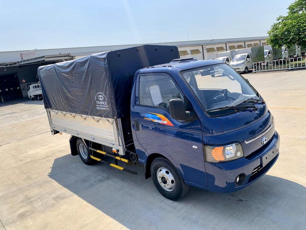 Giá xe tải Tera 180 thùng bạt màu xanh
