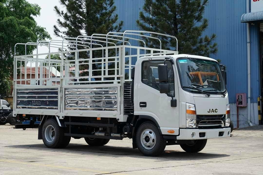 Xe JAC N200S thùng bạt