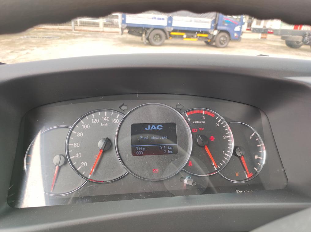 Đồng hồ hiển thị thông tin của JAC N200S